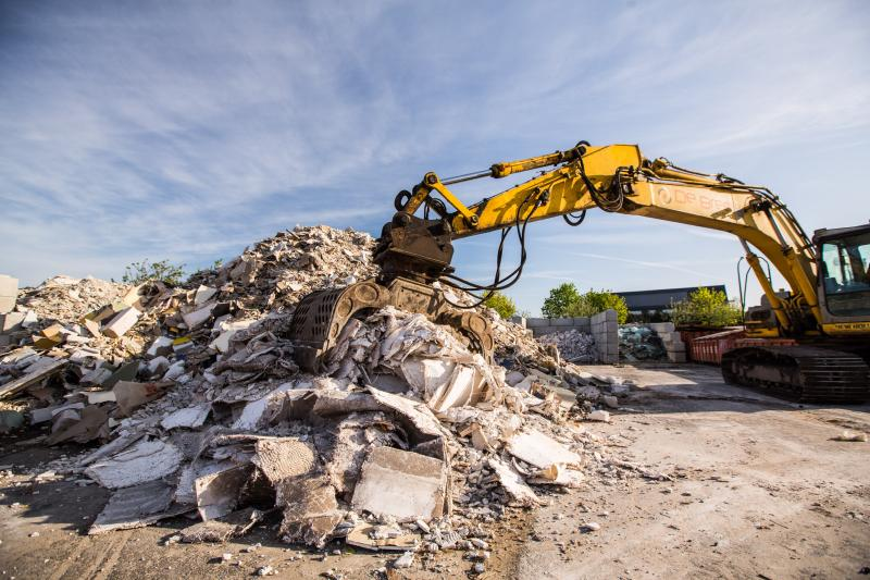 De Bree Solutions | Afval aanvoeren